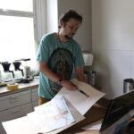 """Aivosyövän sairastaminen herätti kuvataiteilija Otto Wulffin seuraamaan intohimojaan – """"Taiteilijaksi ryhtyminen vaatii sen, että uskoo itseensä"""""""