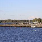 Vierasvenelaiturista on tullut teinien kokoontumispaikka