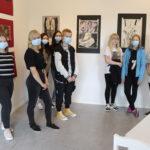 """Ensimmäisen yhteisnäyttelynsä kulttuuritalo Laaksolassa järjestäneiltä taiteilijoilta ei pelkkää positiivista palautetta järjestelyistä – """"Kulttuuritoiminnan tason on annettu notkahtaa Akaassa"""""""