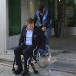 Katso video, kuinka kaupunginjohtaja Antti Peltola selvisi pyörätuolilla Toijalan keskustassa – Toisen jalkansa menettänyt Kari Pajarinen on törmännyt puutteisiin uudessa hyvinvointikeskuksessa