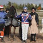 Sini ja Jouni Vaittisen kasvattama Bebe karkasi ylivoimavoittoon ensimmäistä kertaa järjestetyssä Pilvenmäki Specialissa – Viisas ajo tuotti 8 000 euroa hevosen omistajille