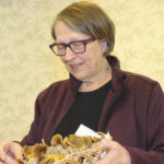 Kaksi asiaa saa Lounaspirtin Kirsi Turusen sekoamaan metsässä – Ammattilainen kertoo sienivinkit, joilla et voi epäonnistua